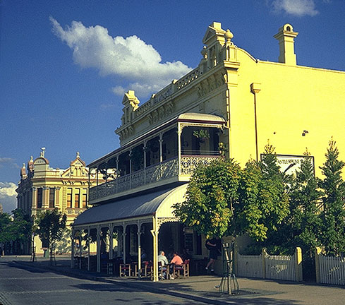 Victoria strikes again<br>Brisbane, Australia: Brisbane, Queensland, Australia : City Scenes; Buildings.