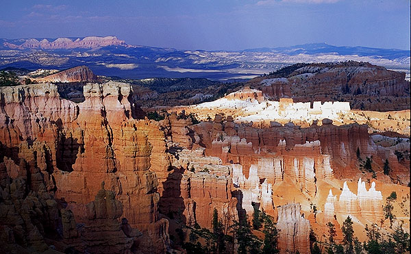 Sunset at Sunrise Point<br>Bryce Canyon National Park<br>Utah, USA: Bryce Canyon National Park, Utah, United States of America : Sunsets; Geological Formations.