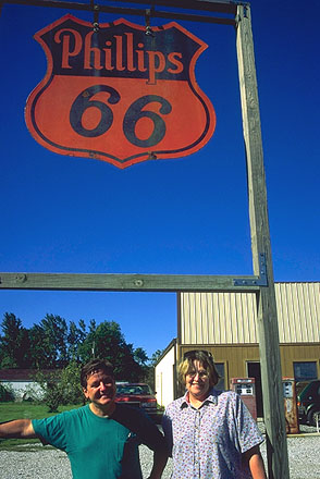 The locals<br>Henry's Route 66 Emprium<br>Staunton, Illinois: Illinois Route 66, Illinois, United States of America : Emporium; People You Meet.