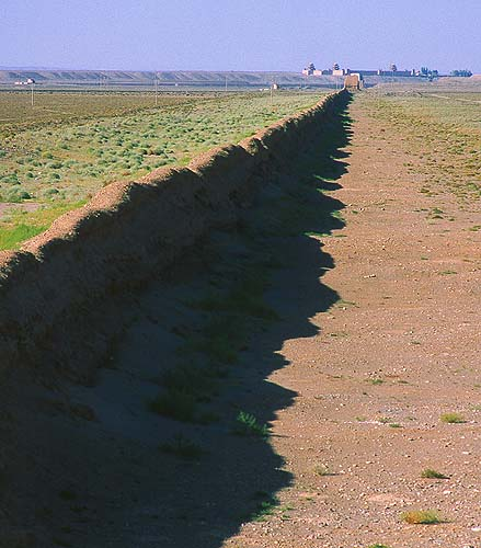 Jiayuguan :: Westernmost Extent of the Ming Dynasty: Jiayuguan, Gansu, People's Republic of China : Landscapes; Great Wall.