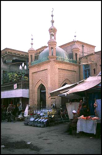 One of many mosques<br><br>Kashgar :: Xinjiang, China: Kashgar, Xinjiang, People's Republic of China : City Scenes; Temples.