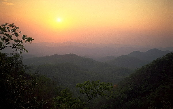 Sunset in Western Thailand<br>Mae Hong Son Loop, Thailand: Mae Hong Son Loop, Thailand : Landscapes; Sunsets.