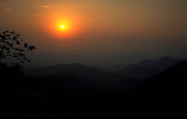 Sunset in Western Thailand<br>Mae Hong Son Loop<br>Thailand: Mae Hong Son Loop, Thailand : Landscapes; Sunsets.