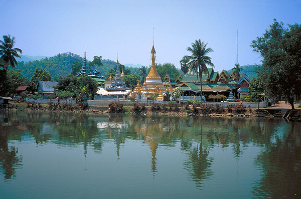 Mae Hong Son Loop<br>Town of Mae Hong Son: Mae Hong Son Loop, Thailand : Temples; Landscapes.