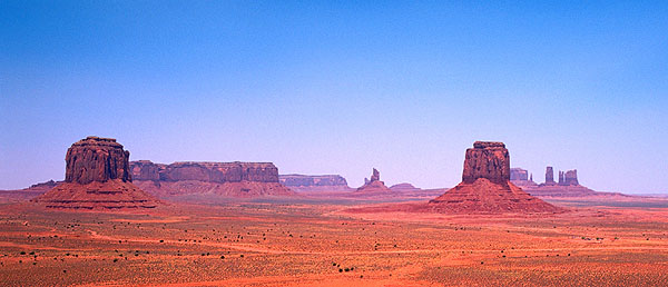 Monument Valley Navajo Park<br>Utah, USA: Monument Valley Navajo Park, Utah, United States of America : Geological Formations; Landscapes.