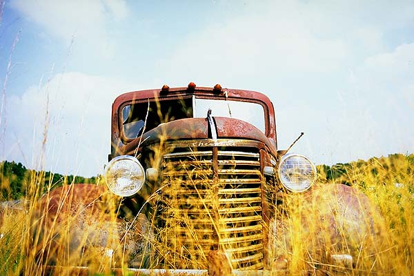 Gone to seed.<br>Joplin, Missouri: Missouri Route 66, Missouri, United States of America : Cars; Ruins and Restorations.