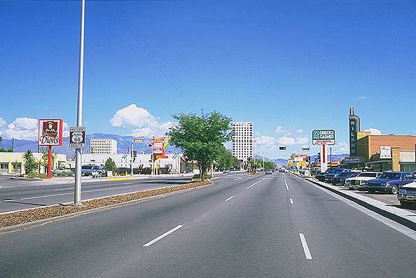 Albuquerque, New Mexico: Albuquerque, New Mexico, United States of America : City Scenes; On The Road.