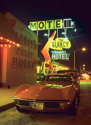 Corvette Summer: Clinton, Oklahoma!, United States of America : Neon.