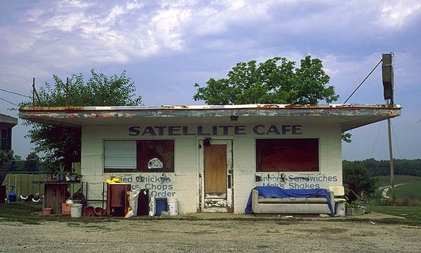 Another Abandoned Roadside Attraction<br>Somewhere West of St. Louis: Missouri Route 66, Missouri, United States of America ; Eat-Drink.