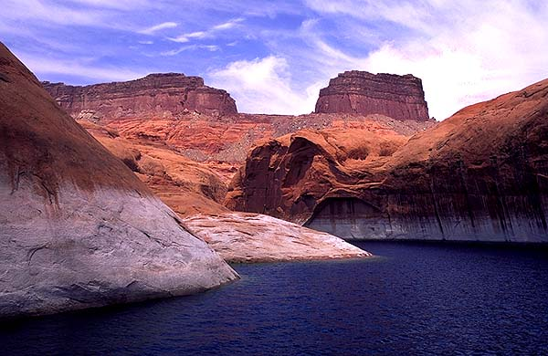 A water-filled canyon<br>Lake Powell, Utah: Lake Powell National Recreation Area, Utah, United States of America : Geological Formations; Lakes.