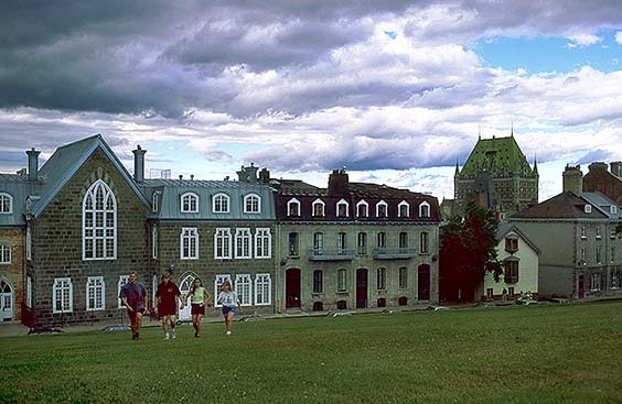 Quebec City:  Province of Quebec: Quebec City, Province of Quebec, Canada : City Scenes; Buildings.
