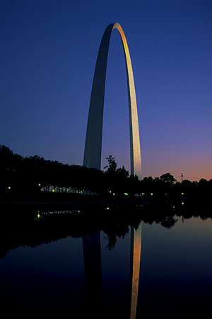 The St. Louis Arch<br>St. Louis, Missouri: St. Louis, Missouri, United States of America : Landmarks; Sunsets.