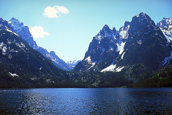 Cascade Canyon, across Jenny's Lake<br>Grand Teton National Park<br>Wyoming, USA: Grand Tetons National Park, Wyoming, United States of America : Geological Formations; Landscapes.