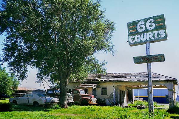 66 Courts<br>Groom, Texas: Groom, Texas, United States of America : Motels and Motor Courts; Ruins and Restorations.