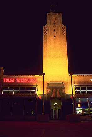 Art Deco Strip Mall<br>with neon<br>Tulsa, Oklahoma: Tulsa, Oklahoma!, United States of America : Neon; Buildings.