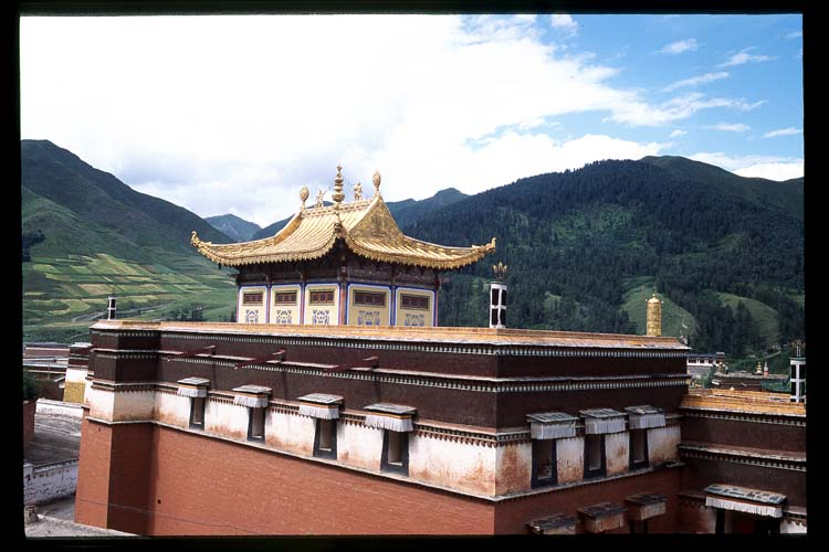 Tibetan Architecture: Xiahe -- Labrang Si, Gansu, People's Republic of China : Buildings; Temples.
