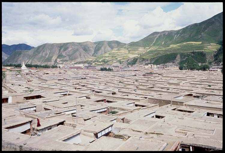 Rooftops <br><br> Where the monks dwell: Xiahe -- Labrang Si, Gansu, People's Republic of China : Buildings; Towns.