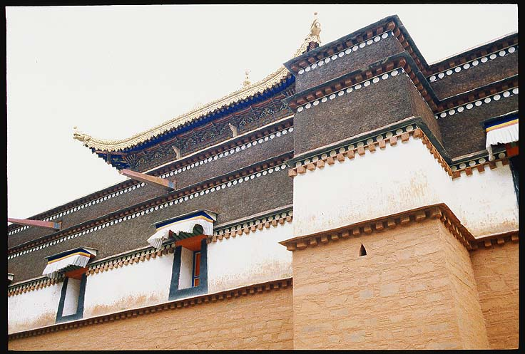 (even) More architectural splendour: Xiahe -- Labrang Si, Gansu, People's Republic of China : Buildings.