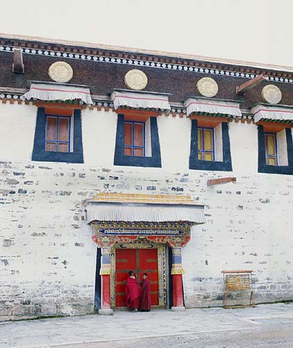 (even) More architectural splendour: Xiahe -- Labrang Si, Gansu, People's Republic of China : Buildings; Temples.