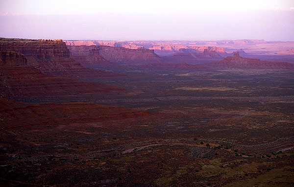 Near Mexican Hat<br>Utah, USA: Utah, United States of America : Landscapes; Sunsets.